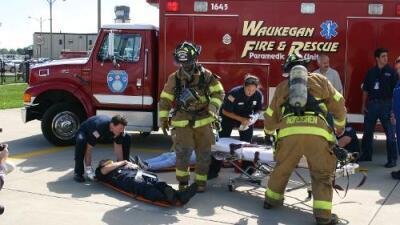 Se buscan bomberos-paramédicos en Waukegan y aquí te contamos lo que se necesita para postularse