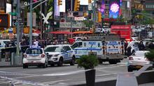 Intensifican la búsqueda de un sospechoso en relación con un tiroteo en Times Square