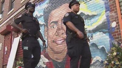 """""""Yo lo siento vivo, lo siento conmigo"""": Madre del joven asesinado a machetazos en El Bronx"""