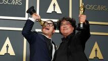 En un minuto: La coreana 'Parásitos' hace historia en los Oscar, premiada como Mejor Película