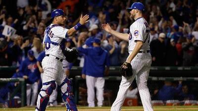 Los Cubs logran una apretada victoria 3-2 ante los Dodgers y siguen soñando con llegar a la Serie Mundial