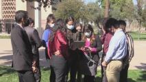 Dreamers de Arizona esperan la decisión sobre una iniciativa que les permitiría pagar la misma colegiatura que los residentes estatales