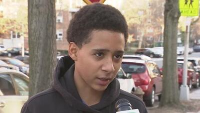 Menor denuncia que fue expulsado de su escuela luego de que uno de sus compañeros le colocara un arma en la mochila