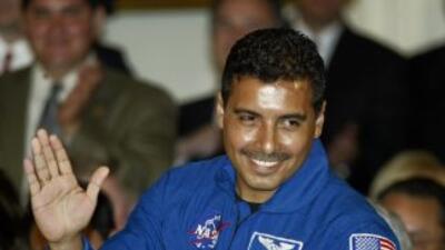 Astronauta hijo de jornaleros mexicanos anima a jóvenes a cumplir sus sueños