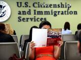 ¿Puedo renovar mi visa de turismo?¿Tengo que pagar la cuota? Respondemos tus preguntas de inmigración durante el coronavirus