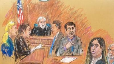 La mano en el corazón y miradas constantes, así se comunicó 'El Chapo' con su esposa Emma Coronel durante su sentencia