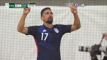 ¡Pega Team USA! Sebastian Lletget castiga un mal despeje para el 0-1