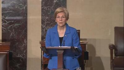 Elizabeth Warren es silenciada durante un debate senatorial sobre Jeff Sessions