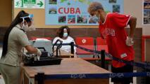 Viajeros señalan de corruptos a los agentes aduaneros en los aeropuertos de Cuba