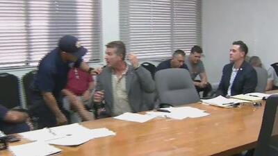 Bomberos de Hialeah siguen sin llegar a un acuerdo con el alcalde por sus mejoras laborales