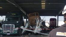 Seis mexicanos que viajaban a ponerse la vacuna en Laredo mueren en accidente