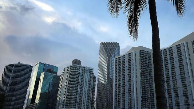 Cielos parcialmente nublados y sin lluvias, lo que le espera a Miami este viernes