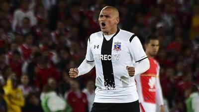 Colo Colo tendrá que pagarle 500 000 dólares a Suazo por despido injustificado