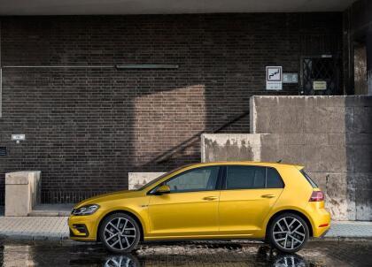 """<h3 class=""""cms-H3-H3""""><b>Volkswagen Golf</b></h3> <br> <br> <b>Precio promedio:</b> 14,434 dólares <br> <b>Porcentaje promedio por debajo del valor de mercado: </b>12.3% <br> <b>Ahorro promedio:</b> 2,023 dólares"""
