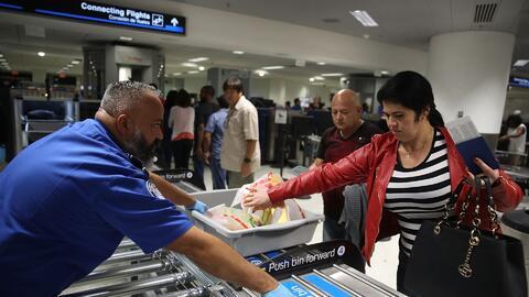 Cierran temporalmente una terminal del aeropuerto de Miami por falta de personal de la TSA