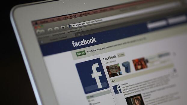 """A favor de oposición venezolana y contra AMLO: Facebook elimina cuentas de EEUU por """"interferencia extranjera"""""""