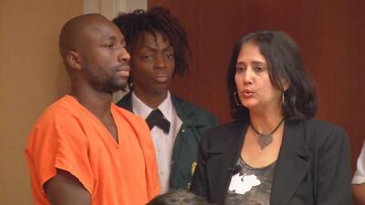 El futbolista colombiano Pablo Armero enfrenta cargos por violencia doméstica en Miami