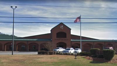 Cierran escuela de forma preventiva en condado de Polk tras amenaza