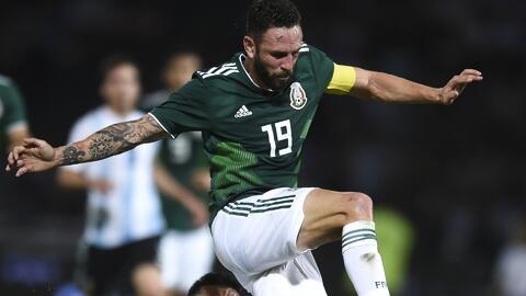 Por órdenes del Tuca, Layún y otros del Tri no se quedan para el duelo dos contra Argentina