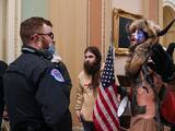 """Fiscalía federal dice que no hay """"evidencias directas"""" que indiquen que los asaltantes del Capitolio habían formado """"equipos para capturar y matar funcionarios"""""""