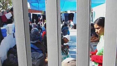 Un experto explica quiénes son los inmigrantes centroamericanos que no pueden pedir asilo en la frontera entre México y EEUU