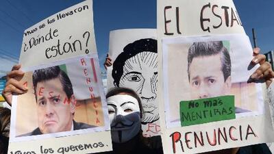 Bajo #UStired2 protestaron por Ayotzinapa en 43 ciudades de EEUU