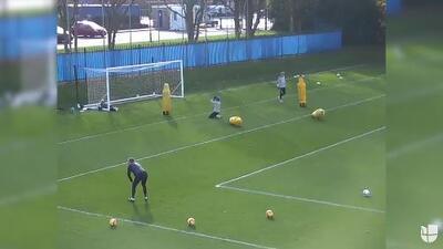 Gol imposible: Jamie Vardy se lució con un remate aéreo estilo 'escorpión'