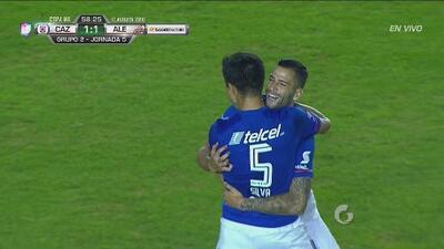 El 'Gato' Silva saca las papas y empata muy rápido para el Azul