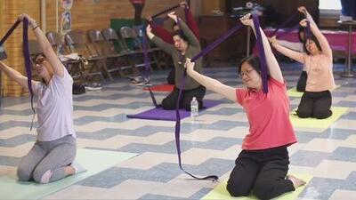 Clases de yoga, programas de salud y tutorías: conoce la oferta de una organización para la comunidad de Brooklyn