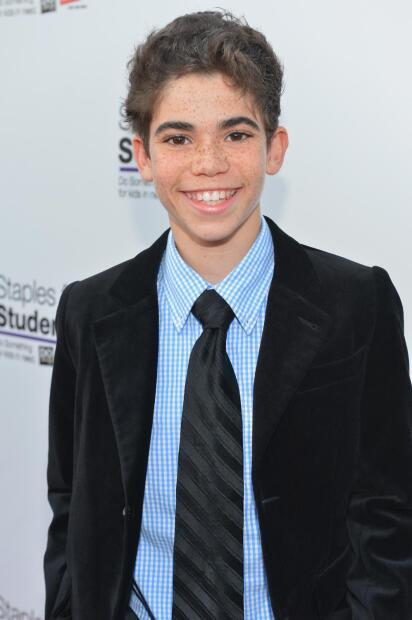 """<b><a href=""""https://www.instagram.com/thecameronboyce/?hl=en"""" target=""""_blank"""">Cameron Boyce</a></b>, actor que se dio a conocer a través de Disney Channel, falleció este sábado, 6 de julio, confirmó un portavoz de su familia este domingo. El joven tenía 20 años."""