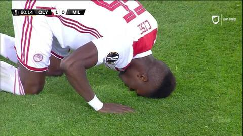 ¡GOOOL! Pape Abou Cissé anota para Olympiakos