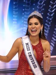 Andrea Meza pasó a la historia al ser la tercera mexicana en ser coronada como Miss Universo 2021 al ganar el certamen este domingo 16 de mayo en Hollywood, Florida-  <br>
