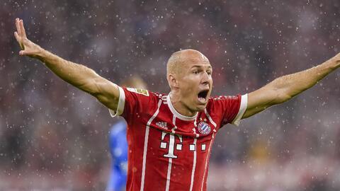 ¡De risa! En el Bayern tampoco se creen los 'clavados' de Robben