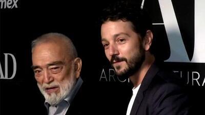 A Diego Luna le tocó celebrar a su papá por un premio de arquitectura (y expresó el gran amor que siente por él)