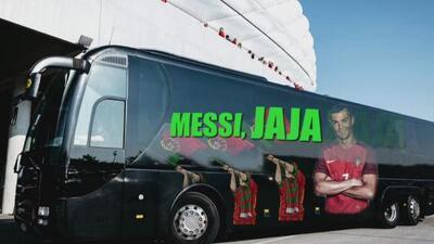 Memes: buses de selecciones mundialistas 'cambiaron' sus mensajes para apoyar o burlarse de Messi