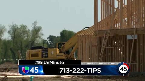 En Un Minuto Houston: Un hombre fue asesinado durante un robo en una zona de construcción en Channelview