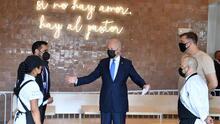 Biden visita de sorpresa una taquería en Washington DC que recibió ayuda del nuevo programa de estímulo