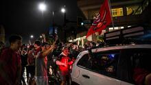 Celebraciones fuera de control y sin máscaras en Tampa luego del Super Bowl