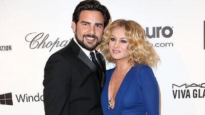A través de un video Gerardo Bazúa acusa a Paulina Rubio de impedirle ver al hijo que tienen juntos