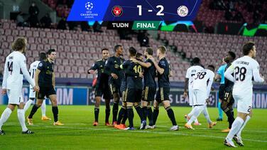 Edson Álvarez tuvo minutos y el Ajax se impuso en Dinamarca