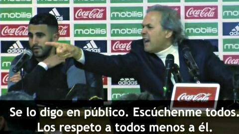 """Técnico de Argelia explotó contra periodista: """"¡Usted es el enemigo de la selección nacional!"""""""