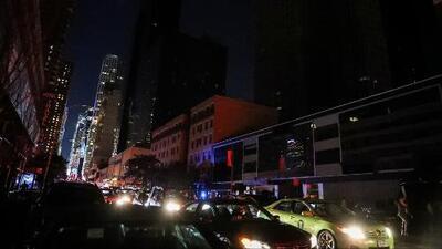 Un apagón masivo dejó a Manhattan a oscuras durante horas, afectando a cerca de 73,000 clientes