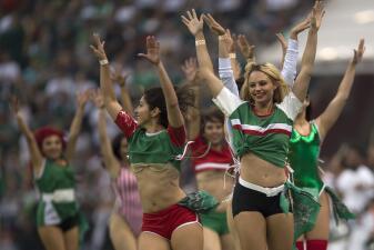 En fotos: El Estadio Azteca se engalanó con la belleza del México vs Escocia