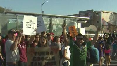 Cientos de personas salieron a las calles de San José en este Día del Trabajo, donde se pidió respeto a la comunidad inmigrante