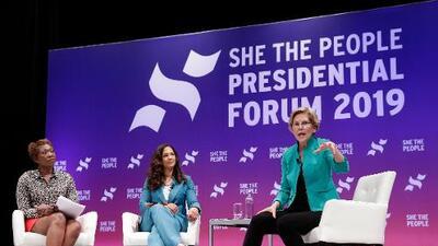 La lucha de los candidatos demócratas por ganar el voto femenino de las minorías