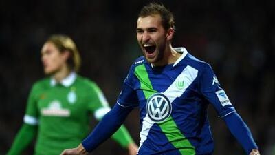 El Wolfsburgo mantiene la fe en el título a base de goles