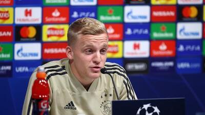 Ajax informó que Van de Beek sufrió una lesión en el musculo