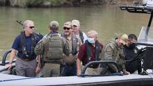 Le llueven críticas al senador republicano Ted Cruz por su visita a la frontera en medio de la crisis migratoria