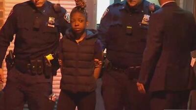 Tras las rejas está la niñera acusada de apuñalar varias veces a la madre de los niños que cuidaba en El Bronx