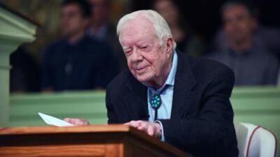 El expresidente Jimmy Carter se recupera tras fracturarse la cadera